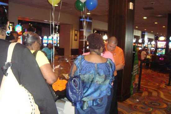 West Memphis, AR: Guests signing up to win prizes at Southland Park Gaming and Racing.