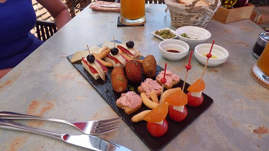 Comares, Spanien: selection of starters
