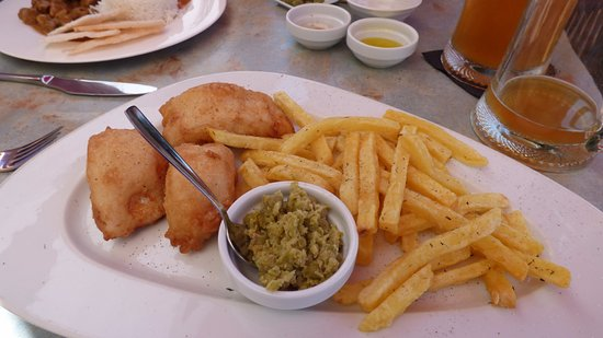 Comares, Spanien: fish and chips