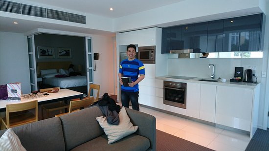 Hilton Surfers Paradise Clean And Modern 2bedroom Residence