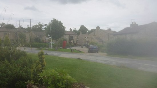 Yorkshire, UK: Excellent tour arranged by SOLUS TOURS. Great friday day at Skipton then following day the set o