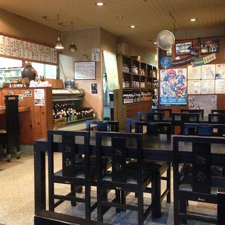 Izakaya Busho: 店内(テーブル席)