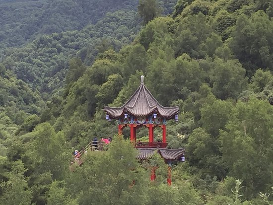 Dingxi, Chiny: Resting place for mountain hike