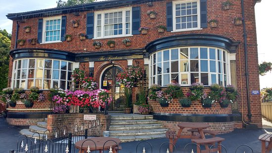 The Fareham: Front of our pub