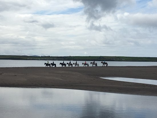 Ventry beach with Long's Horse Riding