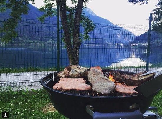 Camping al lago: Dalla nostra piazzola
