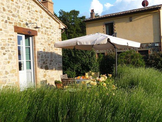 Roccalbegna, Italia: Capitorio Cottage, private terrrace