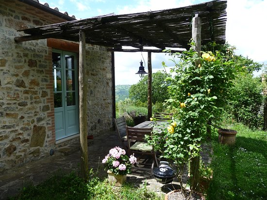 Roccalbegna, İtalya: Podere Sant'Angelo, Zolferate Cottage, the terrace