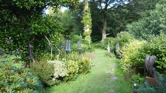 Muddiford, UK: Broomhill Sculpt06ure Garden 06