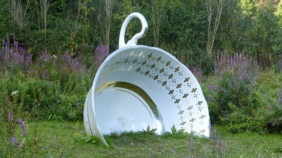 Muddiford, UK: Broomhill Sculpture Garden 08