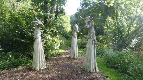 Muddiford, UK: Broomhill Sculpture Garden 09
