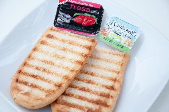 Провинция Валенсия, Испания: Breakfast: Butter and jam toast