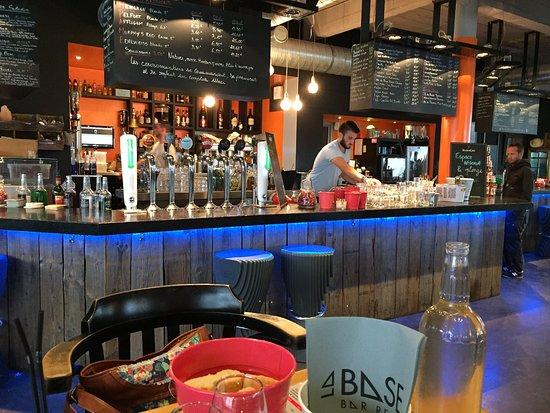 Lorient, France : Le bar