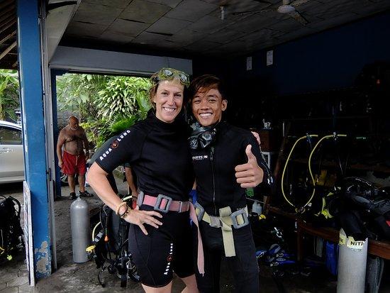 Tulamben, Indonesien: yoggi divemaster