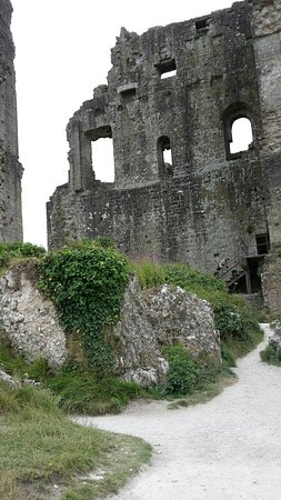 Corfe Castle, UK: 20160724_145212_large.jpg
