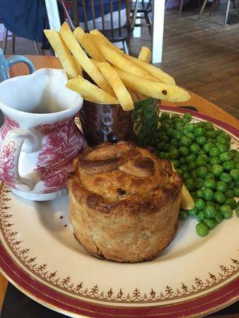 Kinlochewe, UK: Angus steak pie
