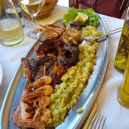 Konoba Komin: Gorgeous fish platter for two!