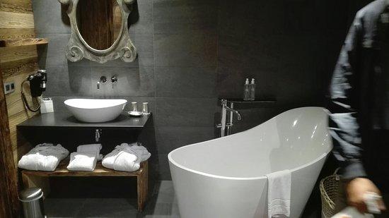 Chalet Hotel Hermitage Paccard: IMG_20160724_221643_large.jpg