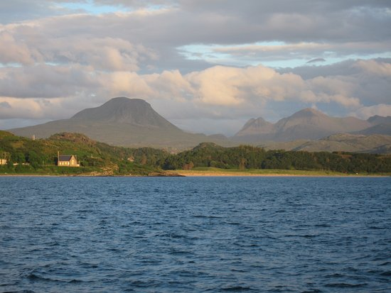 Gairloch, UK: TORRIDON MOUNTAIN VIEW