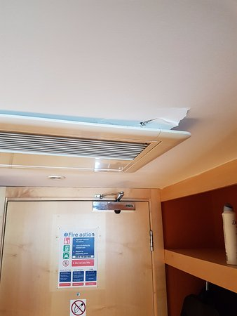 Britannia Bolton Hotel: The aircon is safely fixed!