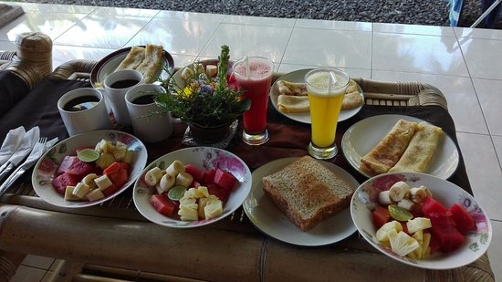 Gerebig Bungalows: Breakfast