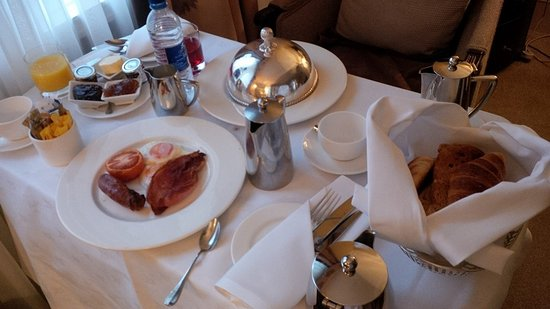 The Chester Grosvenor: Room Service - Breakfast 'In Bed'