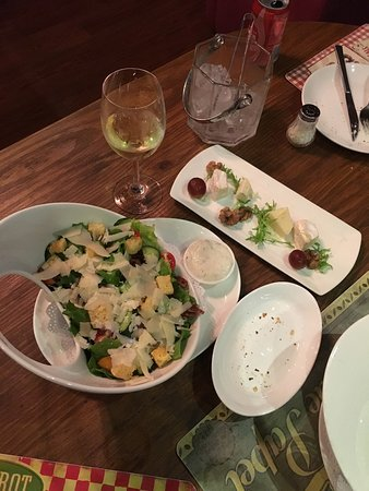 Paradox French Restaurant and Wine Bar: It's very good restaurant actually and the staff was so friendly the food was amazing also the w
