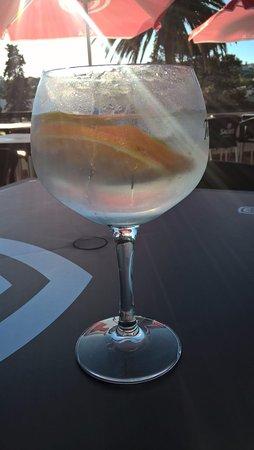 Oeiras, Portugal: prove os nossos gins