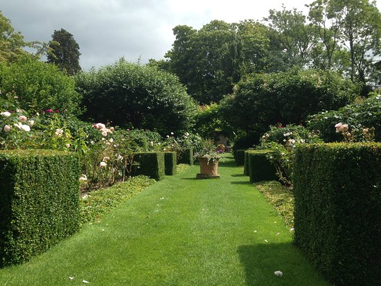 Ticehurst, UK: Pashley manor, garden