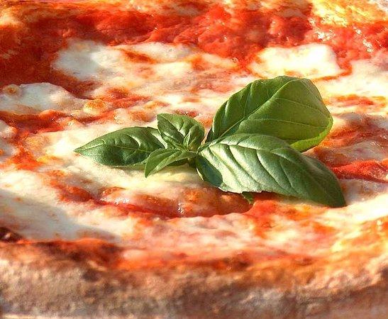 Spinea, Italien: Ogni ingrediente viene scelto e selezionato con cura.Farine di elevata qualità,lievito naturale