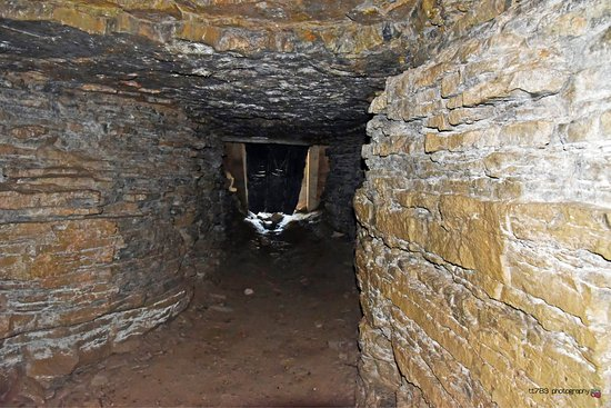 Saint-Leonard Cavern