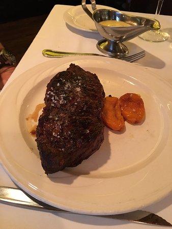 Keens Steakhouse: Amazing