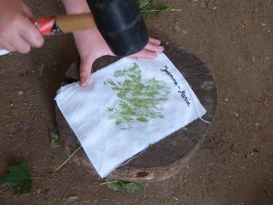 Limeuil, France: Impression végétale sur tissus