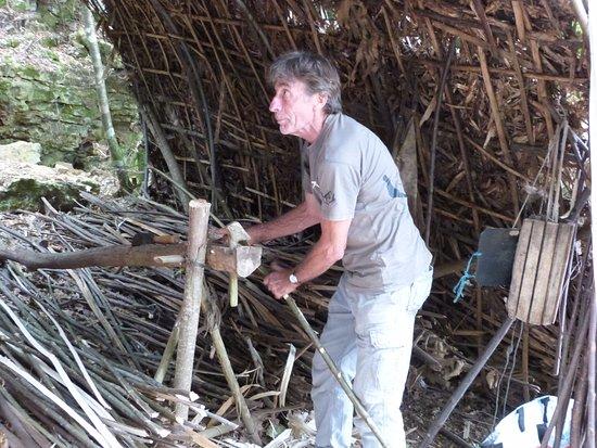 Limeuil, فرنسا: Le feuillardier