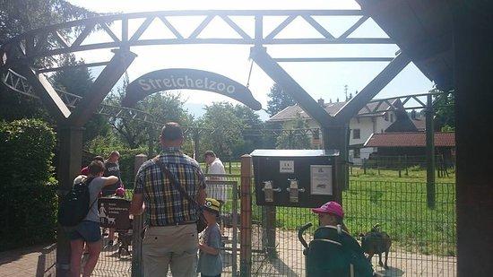 Maerchenpark Marquarstein: Streichelzoo