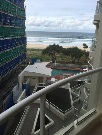 Palm Beach, Australië: Photo 1 ... view to left of balcony  Photo 2 ... view to the right of the balcony