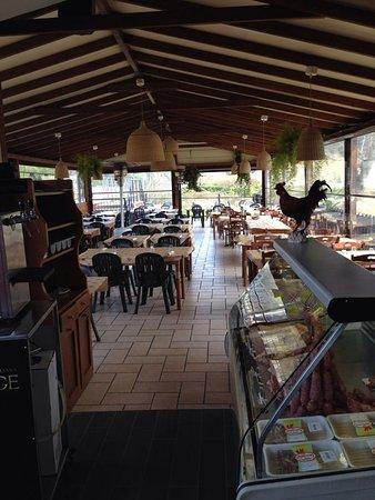 Ristorante la capannina in roma con cucina italiana - Ristorante con tavoli all aperto roma ...