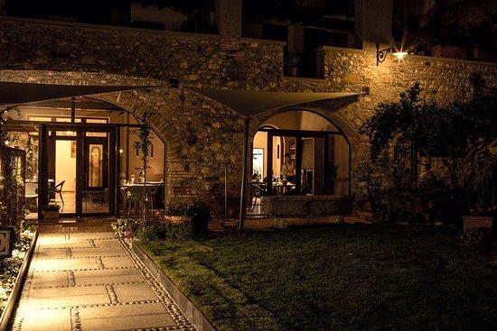 Пуеньяно-суль-Гарда, Италия: Casa Leali Ristorante