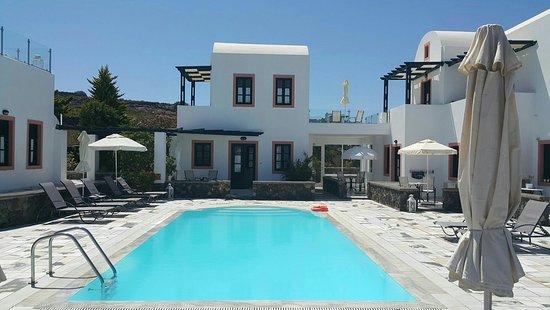 Anthonas Apartments: edited_20160723_145343_large.jpg