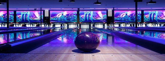 Middletown, estado de Nueva York: Cosmic Bowling