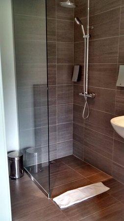 Hofn, Islandia: Shower