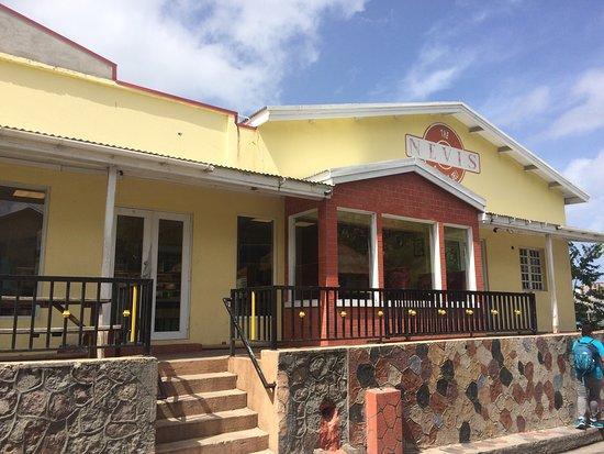Charlestown, Nevis: Bakery & deli