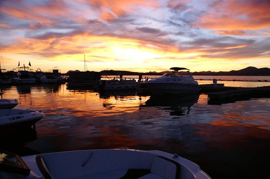 ‪Lake Pleasant Marine & Boat Rentals‬