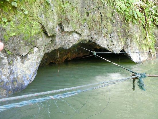 Vang Vieng, Laos: Tham Nam (Water cave)