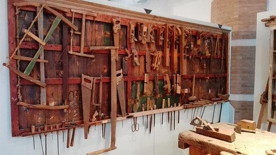 Strumenti Per Lavorare Il Legno : Attrezzi per lavorare il legno picture of museo della marineria