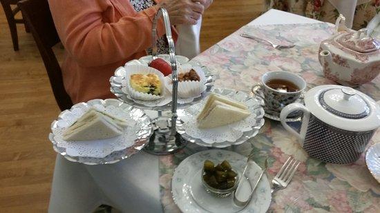 Adrian, MI: High Tea