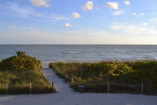 West Wind Inn: View from our room....FANTASTIC!