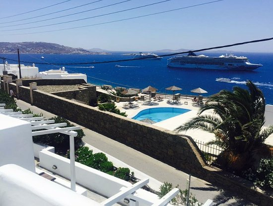 Hotel Tagoo: VIEW FROM POOL