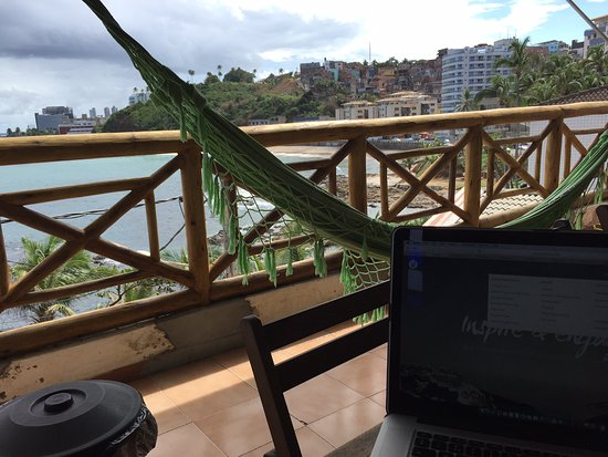 Albergue Pedra da Sereia: Awesome terrace to relax, work or breakfast