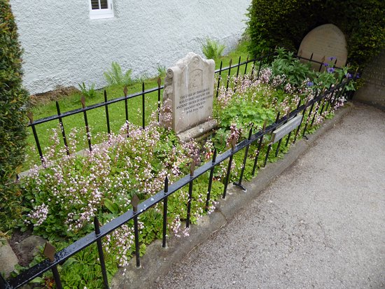Hathersage, UK: The grave
